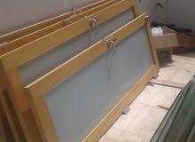 للبيع ابواب زجاج وابواب خشب قويGlass doors for sale very clean