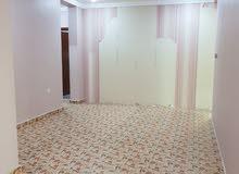 للإيجار شقة كبيرة وواسعة جدا في المنقف ق4