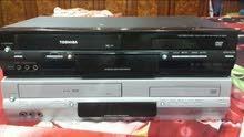 جهاز مزدوج DVD وكاسيت فيديو ماركة توشيبا ياباني عدد 2  نظيفات وشرط الشغل .