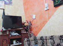 السلام عليكم بيت تجاوز للبيع يتكون من غرفه 4×3وهول7×4×3وحمام مشترك وطارمه صغيره