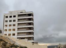 شقة طابقية مطلة على جبال فلسطين اطلالة رائعة بإتجاه شارع السلام