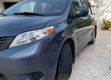 Blue Toyota Sienna 2014 for sale