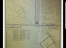 أرض 700م في بوشر المسفاة مساحة حلوة لعمل توين فيلا