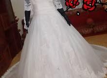 فستان زفاف أبيض اوف وايت