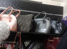 شروة احذية وشنط جديدة بسعر حرق