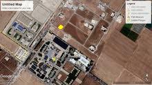 ارض للبيع طريق المطار خلف جامعة الشرق الاوسط مساحه 606م على شارعين منطقة فلل بسعر 90الف