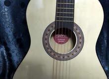 جيتار جديد نوعيه فخمه اسباني اصلي كلاسيك بسعر محروق