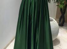 فستان ازرق ملكي للبيع مقاس 38_40 نفس الي في الصورة غير علي الازرق الملكي