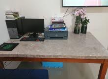 طاولة كبيرة جرانيت table مع كرسي رقم التواصل
