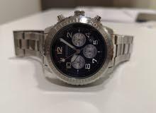 ساعة Fossil اصليه بحالة الوكالة للبيع
