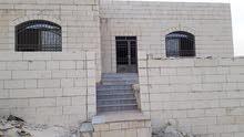 من المالك فيلا للبيع في ارقى مناطق شومر بمسااحه170م بسعر مميز بين عمان والزرقاء