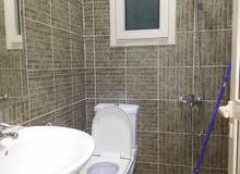 شقة نظيفة شامل الكهرباء للتواصل : 66337118