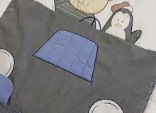 مفرش سرير ماركة جونيور و العاب متفرقة للأطفال
