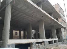 عماره جديده للبيع مسلح دورين وبدروم على شارعين وسط العاصمه