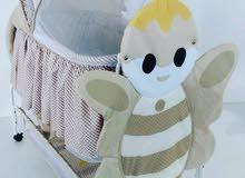 سرير اطفال للبيع لعدم الحاجة وعدم توفر مكان له استعمال خفيف تلفون 94973987