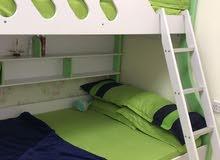 سرير نوم طابقين مع تسريحه