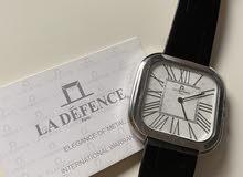 ساعات ماركة لاديفانس الفرنسية