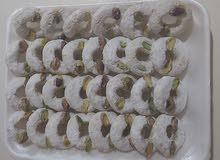 حلويات بنة مشاء الله نظيفة و خدمة في الحوش اللي يبي يراسلني مكاني طرابلس  السياحية