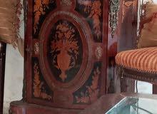 اكواريوم و خزانة خشب انتيكة