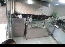 مطعم سناك مساحة 22 متر مربع مع سدة للتحضير