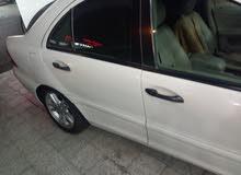 للبيع سيارة مرسيدس موديل 2003 حجم c200