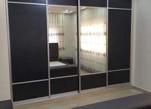 نجار متنقل واصل لبيتك صيانةوتركيب غرف نوم مطابخ أبواب خزائن حائط نصلكم فورا بدقة