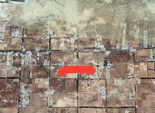 قطعة ارض سكنيه في منطقة السواوه قبل مدرسة الوفاء