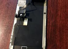 شاشة ايفون اكس مشروخه خفيف بس شغاله من والى ب150$