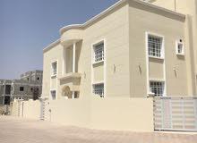 فلة واسعة للبيع في العامرات الثانية مساحة البناء تزيد عن 500 متر