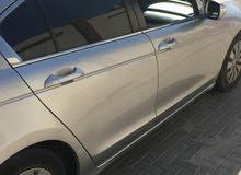 خدمة التوصيل داخل قطر سائق مع السيارة