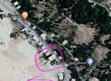 4 شقق سكنية بسعر ولا بلاحلام ع الشارع العام قرب محطة عرب للمحروقات