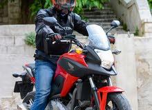 دراجة هوندا NC700 موديل 2013.