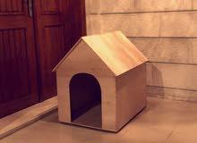 بيت كلاب خشب ألون و الحجم حسب الطلب في اقل الأسعار   (كلاب و قطط)