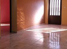 شقة ارضية بالقرب من اسواق طارق  مساحة 115 م  تشطيب مميز