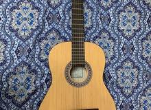 جيتار مستعمل استعمال بسيط حداً