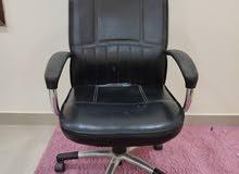 للبيع كرسي مكتبي مستعمل بحالة جيدة جدا