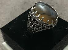 مجموعه من الخواتم الفضه والأحجار الكريمة
