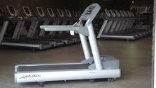 جهاز رياضي نوع life fitness t95 امريكي