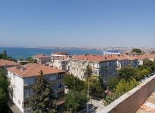 العرض الأقوى في تركيا اسطنبول الاوروبية لشقة في مجمع مقابل البحر