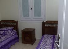 شقة للإيجار بشاطئ النخيل بأكتوبر الإسكندرية مكونة من ثلاث غرف وصالة وحمام ومطبخ
