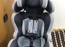 مقعد سيارة للاطفال مع قاعدة