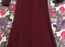 فستان مستعمل مرة واحدة