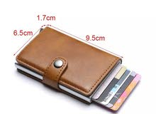 محفظة نقود وبطاقات ذكية