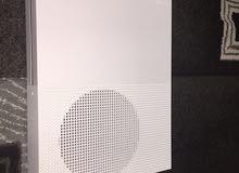 للبيع xbox one S الجهاز نضيف جدا