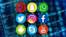أقوم بإدارة مواقع التواصل الاجتماعي