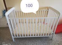 سرير طفل للبيع
