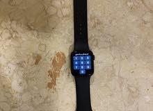 ساعة ابل الاصدار الخامس بدون كرتون استخدام شهر فقط معاها شاحنها الاصلي