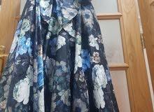 فستان كالجديد استعمال واحد