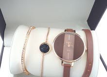 New Ladies watches with bracelets for sale. ساعات نسائية جديدة مع أساور للبيع