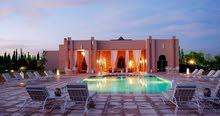 فيلا راقية للإيجار 8 غرف ماستر عصرية بمدينة مراكش الحمراء بالمغرب